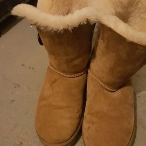 🚨🚨🚨🚨Sale Authentic Uggs boots (stains)